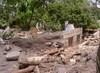 c4_pict0034_casas_destruidas